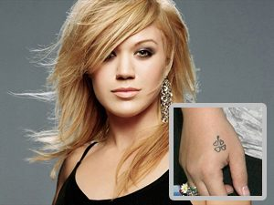 Kelly Clarkson Clover Tattoo